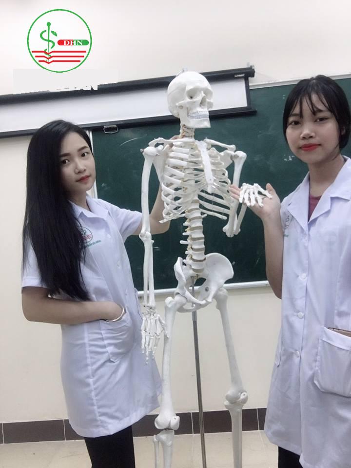 sinh viên cao đẳng dược hà nội học ngành điều dưỡng